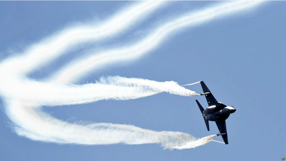 140716062619_fornborough_air_show_976x549_ap