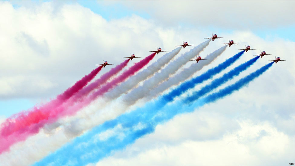 140716062716_fornborough_air_show_976x549_afp