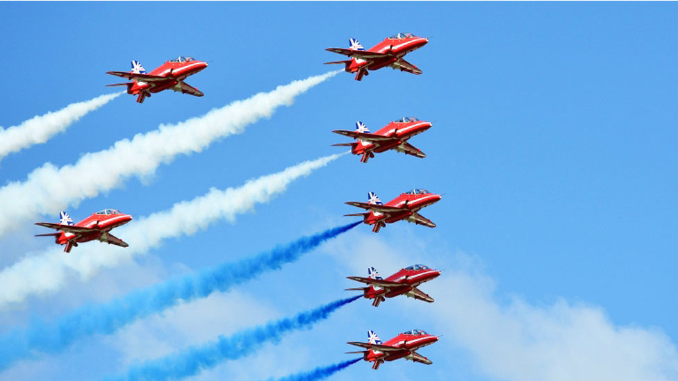 140716063009_fornborough_air_show_976x549_afp_nocredit